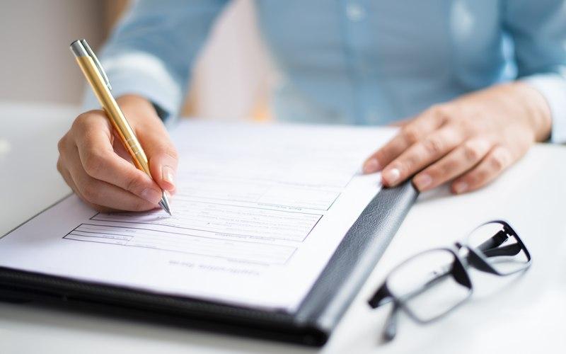 Quais são os direitos do colaborador após a quebra de contrato?